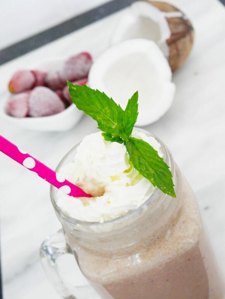 Strawberry matcha powder smoothie