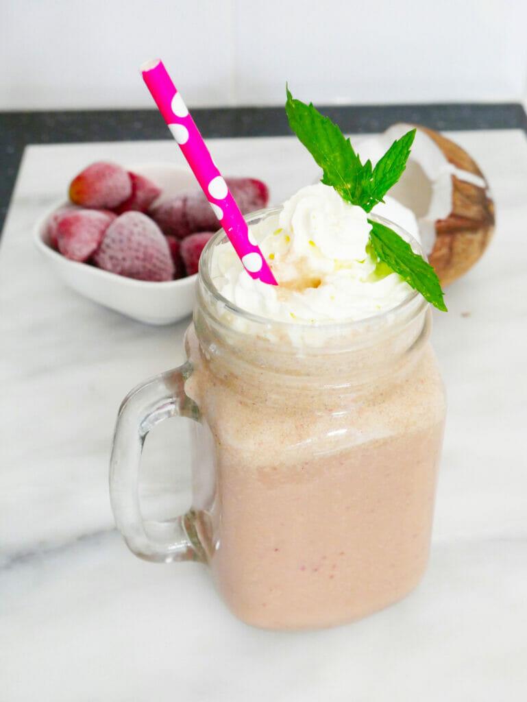 Strawberry matcha latte smoothie