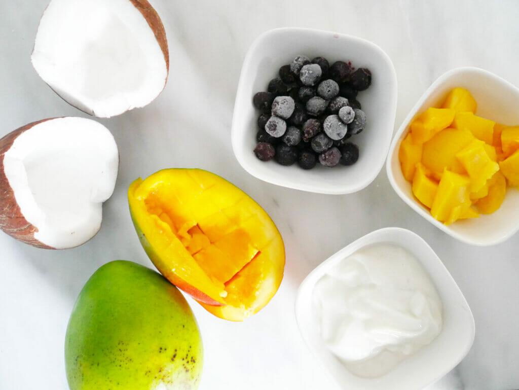 Mango blueberry smoothie ingredients